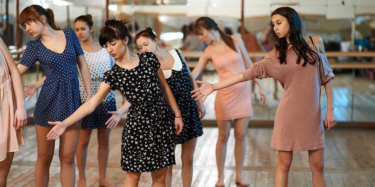 https://www.conservatoriovenezia.eu/wp-content/uploads/2019/04/inner_dance_01.jpg